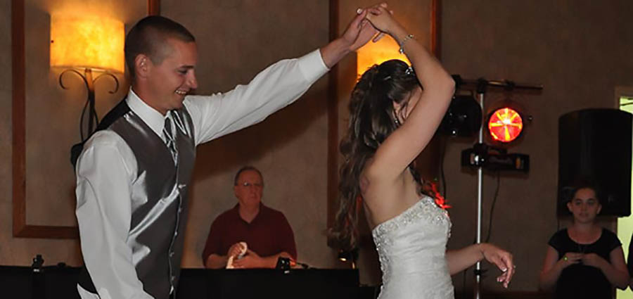 Wedding Dj Wisconsin Dj For Wedding Reception Fond Du Lac Dj